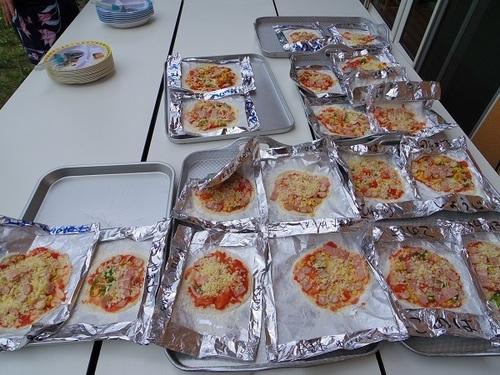 子供たちのピザ.jpg